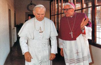Mons. Pietro Fiordelli con Papa Giovanni Paolo II