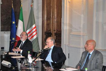 Un momento del convegno, da sinistra i magistrati Sfrecola, Davigo e Cardella