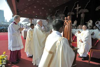 Sri Lanka, 14 gennaio- Papa Francesco celebra la Santa Messa per la canonizzazione del beato Giuseppe Vaz nel Galle Face Green a Colombo