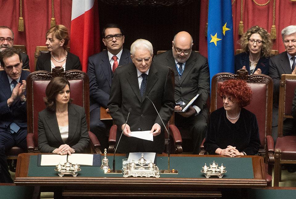 Il Presidente della Repubblica Sergio Mattarella con la Presidente della Camera, Laura Boldrini, e la Presidente Vicaria del Senato, Valeria Fedeli in occasione della cerimonia di giuramento