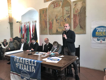 Al tavolo da sinistra: Andrea Romizi,  Claudio Ricci, Giorgia Meloni e Emanuele Prisco