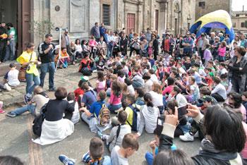 Un momento della festa a Bolsena (foto di Lamberto Manni)