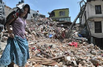 La devastazione in seguito al terremoto di magnitudo 7,9 cha ha colpito il Nepal