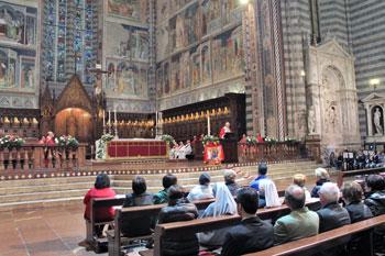 Veglia di Pentecoste nel duomo di Orvieto (foto di Maria Assunta Pioli)