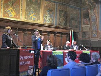 Un momento dell'incontro con Nichi Vendola alla sala dei Notari (foto Perugiaonline.it)