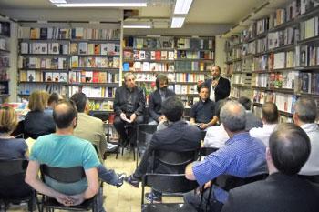 La presentazione del libro di Roberto Contu (al centro)