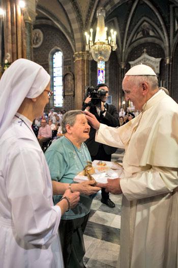 Papa Francesco incontra i malati e i disabili al Cottolengo