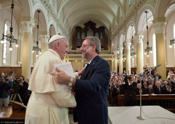 Papa Francesco durante la sua visita al Tempio Valdese