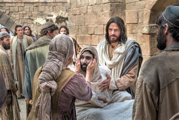 """""""Il figlio della vedova di Nain resuscitato da Cristo"""". Scena tratta dal film """"La vita di Gesù Cristo"""""""