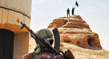 Militanti Isis presso la provincia irachena di Salahuddin (foto AFP)