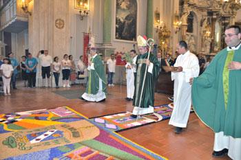 L'ingresso a Santa Maria Maggiore di mons. Bertoldi
