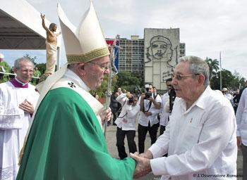 Papa Francesco con Raùl Castro