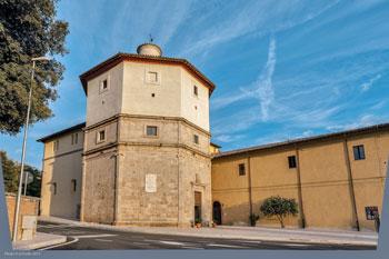 Convento annesso alla chiesa di Santa Maria della Pace a Massa Martana