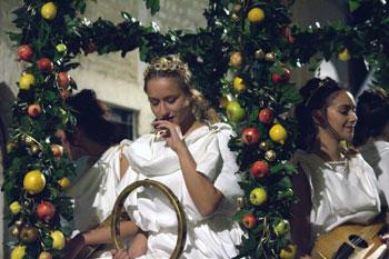 Un momento del corteo storico durante le celebrazioni per il Palio di San MIchele