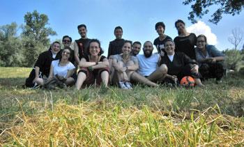 Le Francescane Angeline con un gruppo di giovani della pastorale giovanile