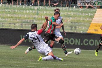 Un momento della partita Ternana-Cagliari