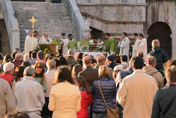 Un momento della celebrazione durante la Festa della famiglia a Gubbio