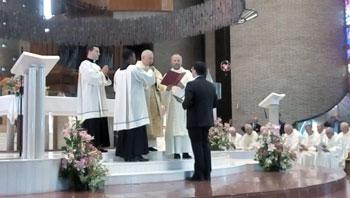Il rito di ammissione con la professione semplice nella congregazione dei Figli dell'Amore Misericordioso del novizio Massimo Tofani