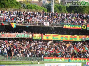 La tifoseria della Ternana durante il derby