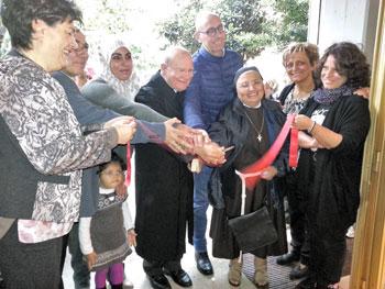 Le autorità religiose e civili di Gualdo Tadino durante l'inaugurazione del laboratorio sartoriale della Caritas