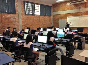 La scuola salesiana di formazione professionale a Vila Piloto