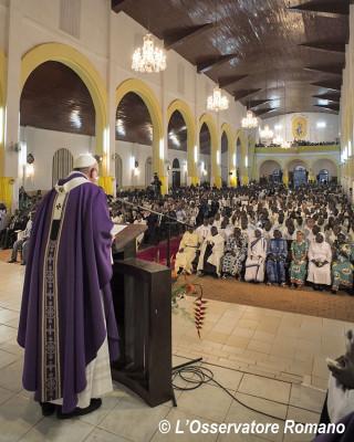 Apertura della Porta Santa nella Cattedrale di Bangui