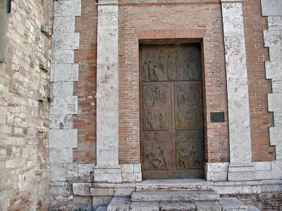 La porta santa della cattedrale di Perugia