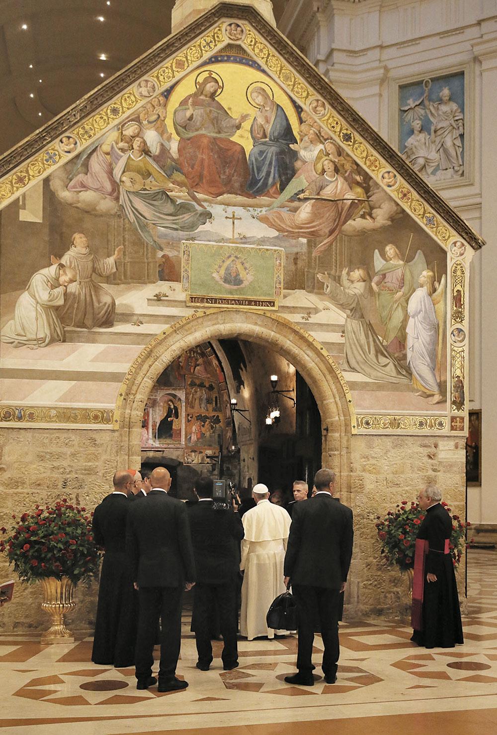 Papa Francesco alla Porziuncola nella visita del 4 ottobre 2013