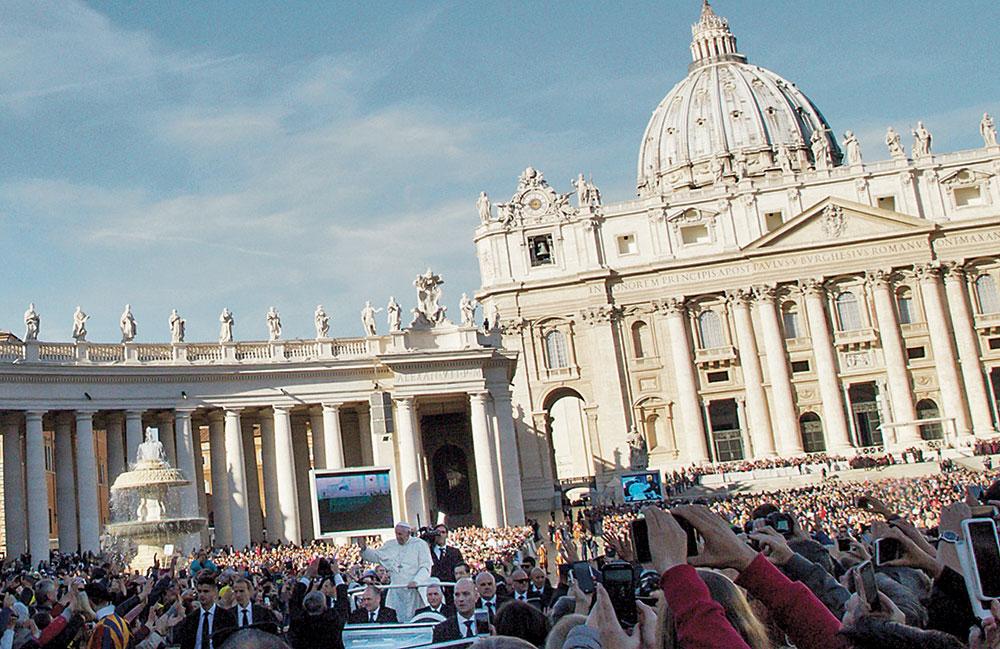 Il-santo-Padre-CMYK-_-FOTO-DI-Magdalena-Janczak-(3)