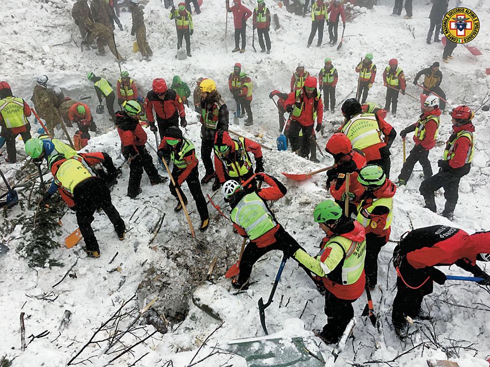 Rigopiano_terremoto-neve-2016-gennaio-CMYK