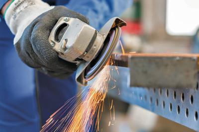 imprese-manifatturiere-meccanica-operaio-frullino-cmyk