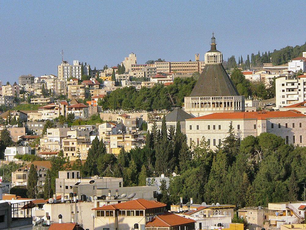 Terra-Santa--veduta-di-Nazareth-(la-basilica-dell'Annunciazione)