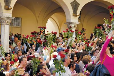 Santa Rita Cascia, sindaco Amatrice porta fiaccola della pace