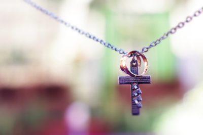 Domenica delle Palme. croce per pregare