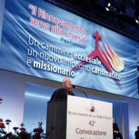 Il cardinale Gualtiero Bassetti ad un evento di RnS