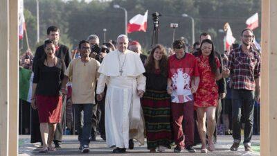 Papa Francesco con i giovani di Economy of Francesco