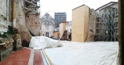 L'interno della basilica di San Benedetto di Norcia sgombra dalle macerie