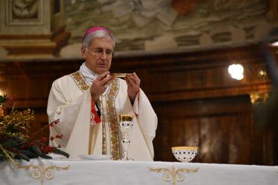 Mons. Renato Boccardo durante la celebrazione