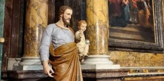 La statua di San Giuseppe esposta nella Cattedrale di Perugia