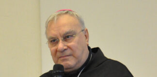 Il vescovo di Terni Giuseppe Piemontese