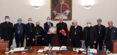 I vescovi dell'Umbria con al centro il presidente dell'Anci Toniaccini